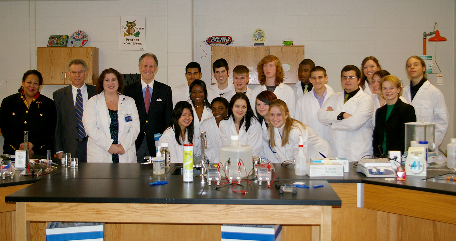 Photograph of Senator Kaufman at St. Georges Technical High School, 2010 January 8