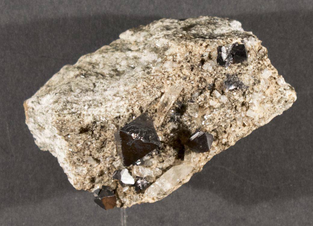 Hematite, Binnenthal