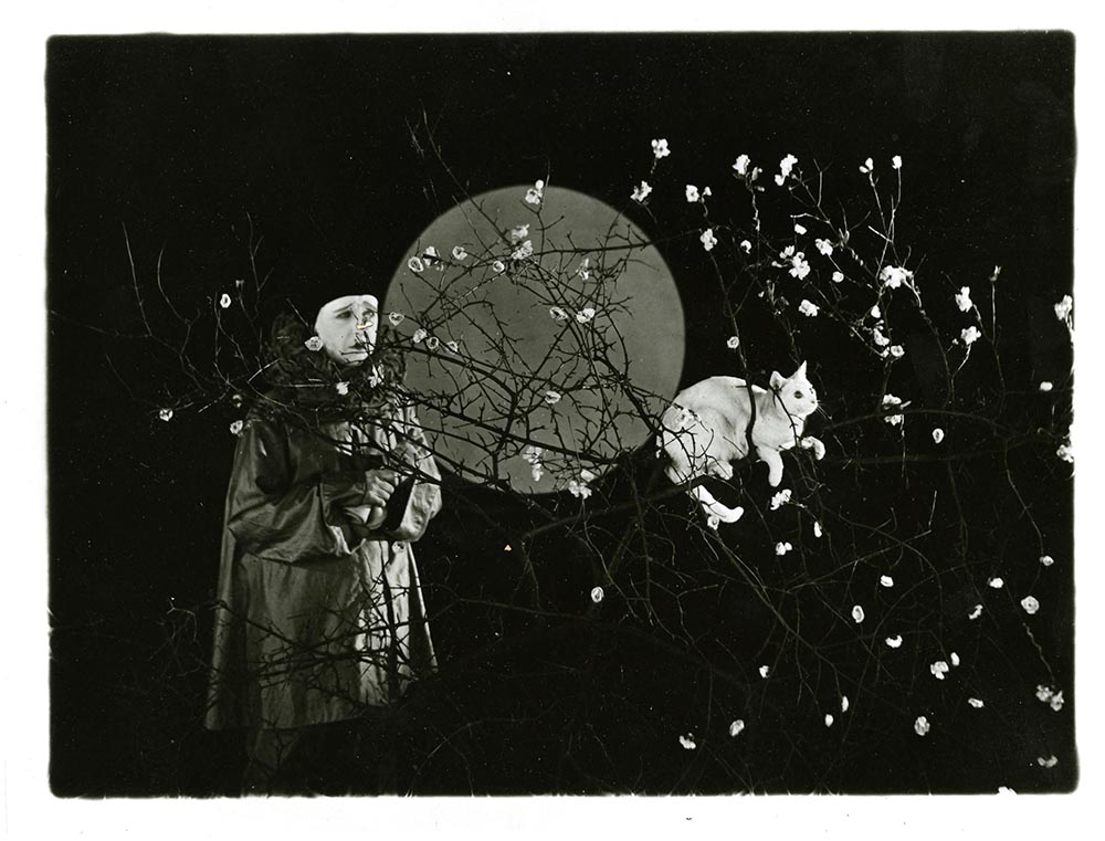 """Still from """"Moongold: A Pierrot Pantomime,"""" [1921] (reproduction)."""